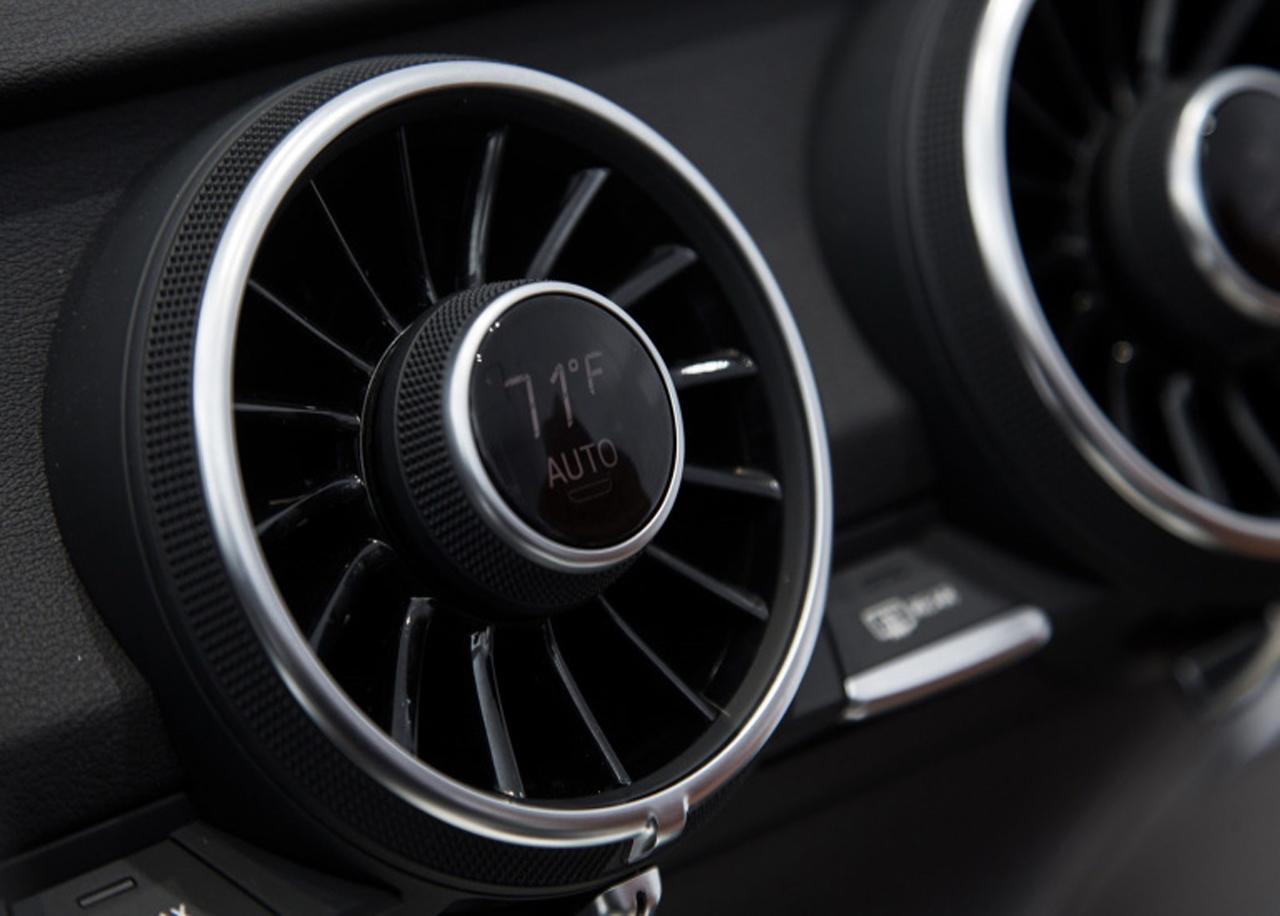modelado 3D, automoción, 3D, coche, diseño de coches, diseño gráfico, automoción, salón automóvil, Paris, show car, car, design,